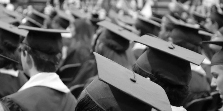 ¡Viva la generación sin título universitario!
